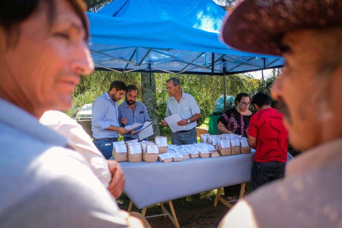 Entregaron semillas a Pequeños Productores del Cinturón Frutihortícola