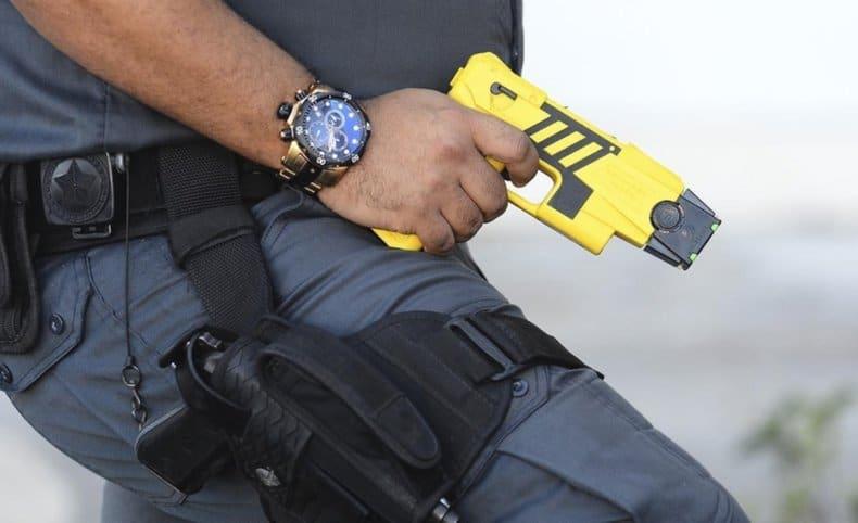 Diputados de Juntos por el Cambio impulsan un proyecto para autorizar el uso de pistolas Taser