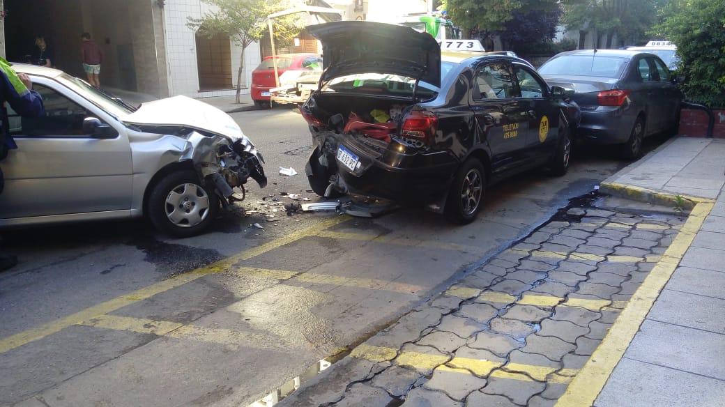 Un taxista fue atropellado y se salvó de milagro