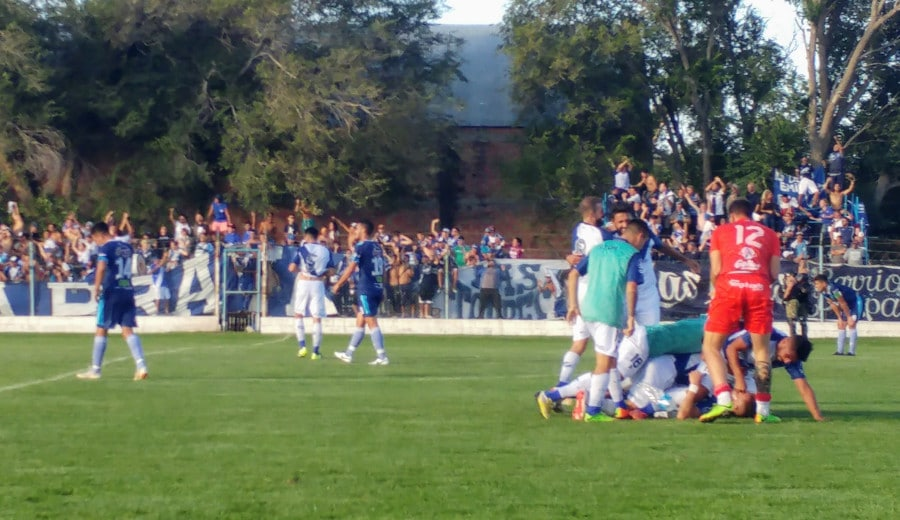 Alvarado se metió en la definición por el primer ascenso a la B Nacional