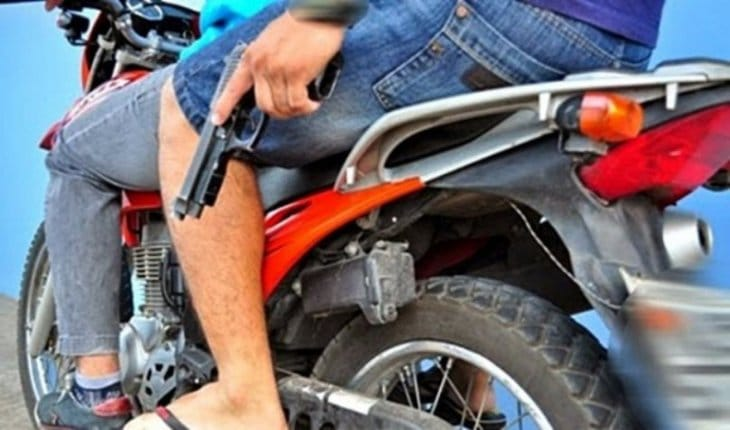 Sancionan la ley que busca combatir a los motochorros en los municipios