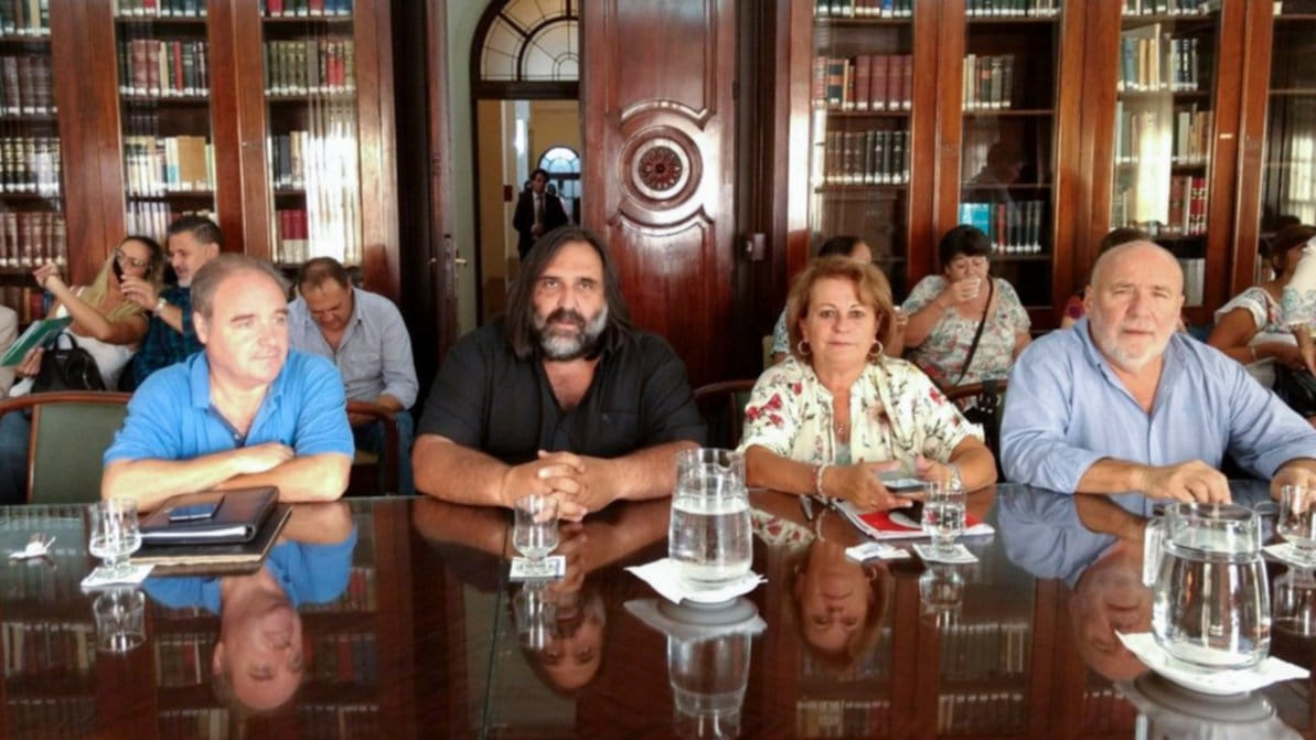 Docentes bonaerenses se reunirán para analizar posibles reclamos a Vidal