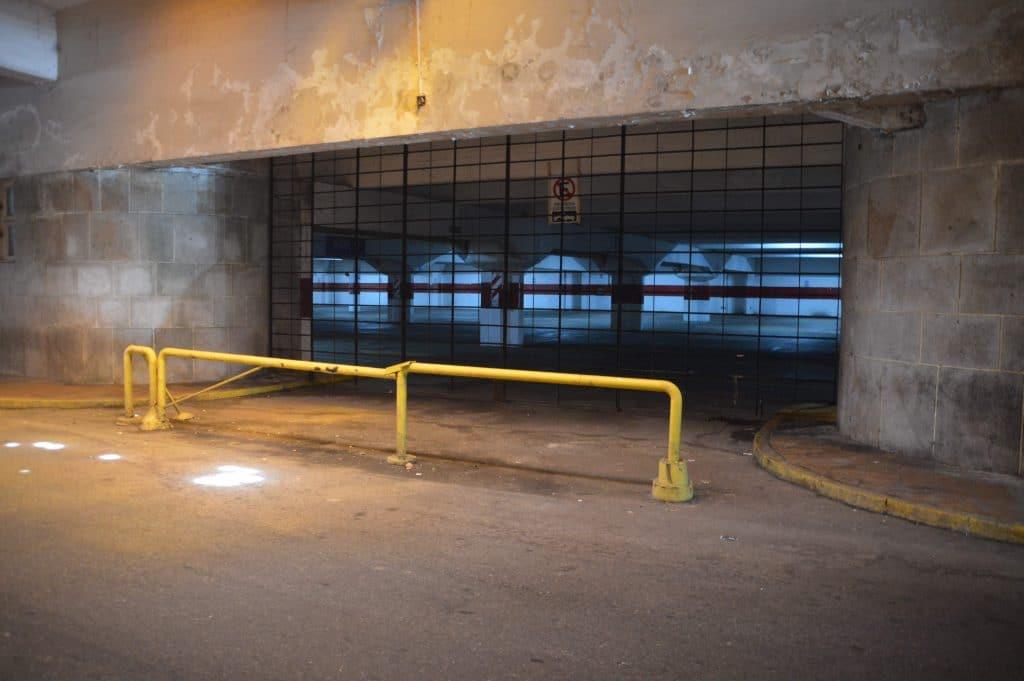 Preocupa a la Defensoría del Pueblo el futuro del estacionamiento de Playa Grande