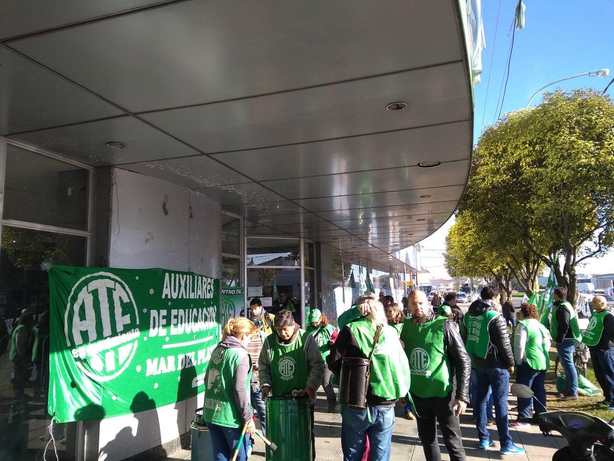 Médicos, judiciales y estatales paran en reclamo de aumento salarial