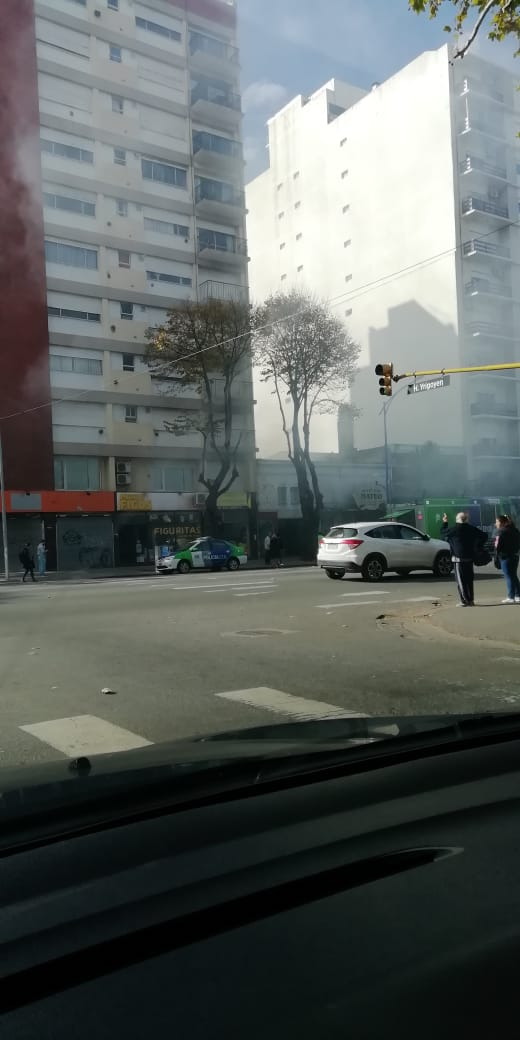 Se incendió un local abandonado frente a Plaza Mitre