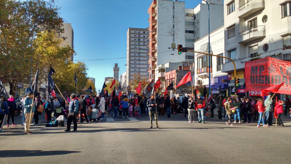 Jornada de cortes, marchas y ollas populares en Mar del Plata