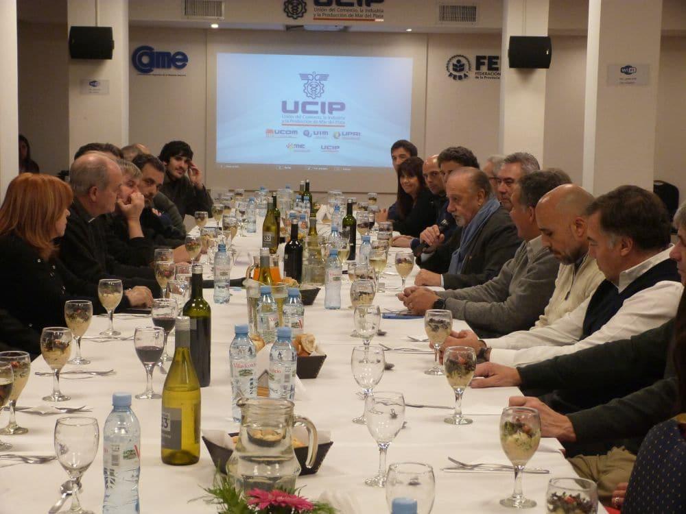 Empresarios se reunieron en la UCIP con el presidente de la Comisión Episcopal de Pastoral Social