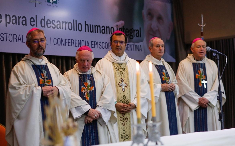 """La Iglesia pidió un compromiso """"responsable"""" a todos los sectores ante la """"difícil situación social"""""""
