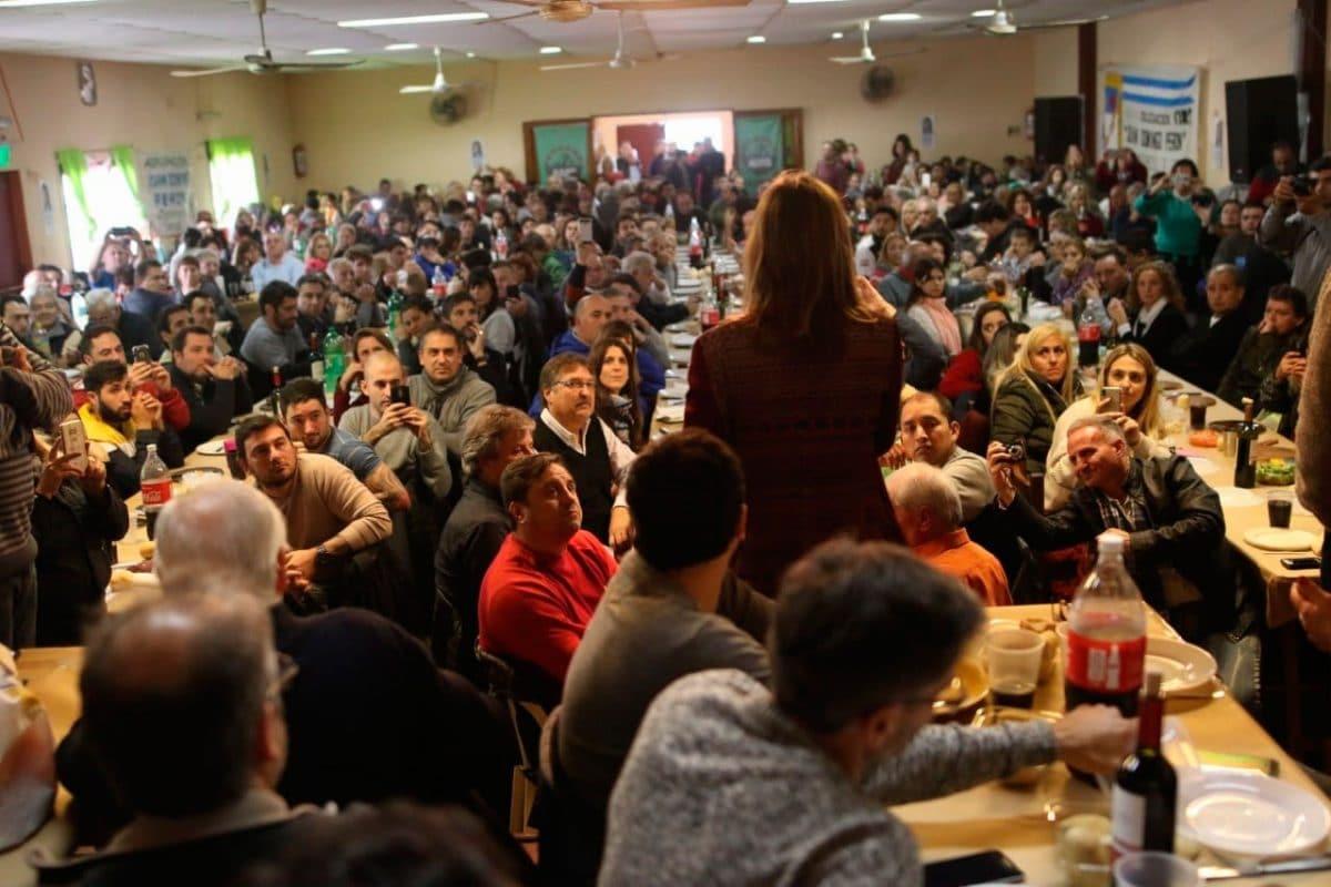 Fuerte apoyo de Casineros a Fernanda Raverta