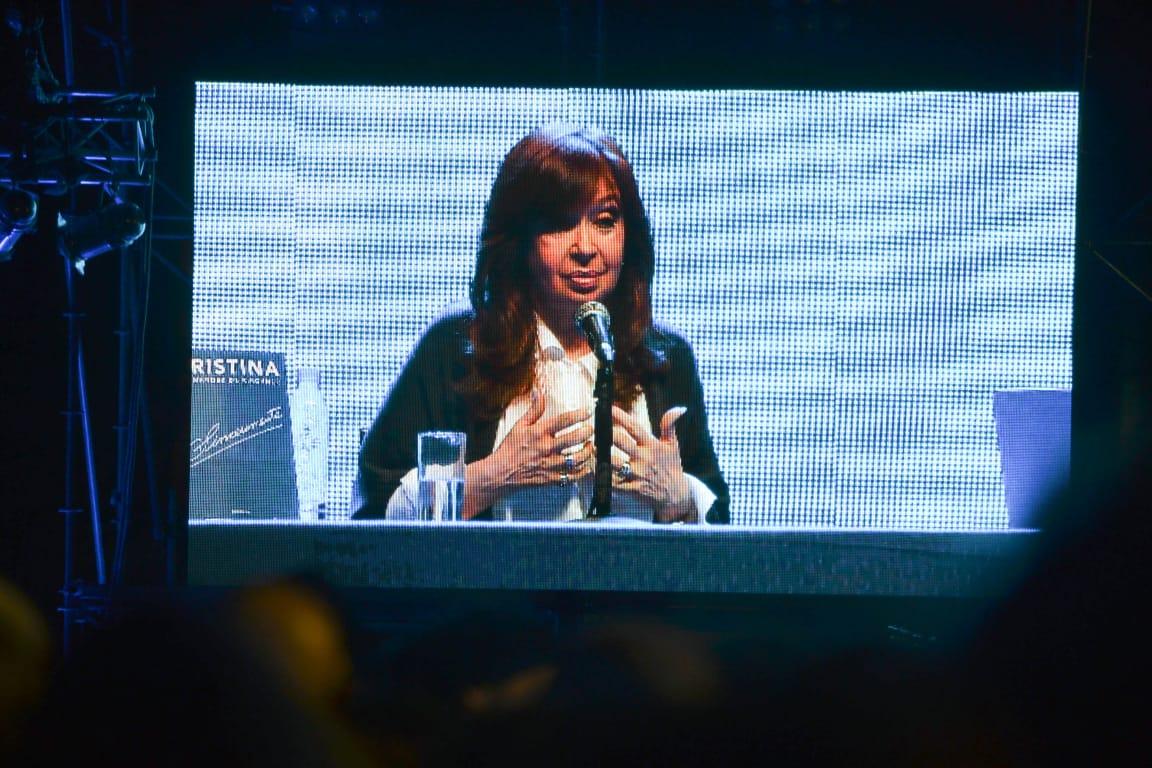 En Mar del Plata, Cristina Kirchner, junto a Kicillof, apuntó contra la gestión de Vidal