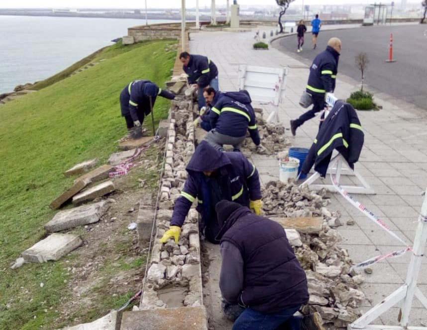 El municipio restauró el paredón costero dañado por un auto