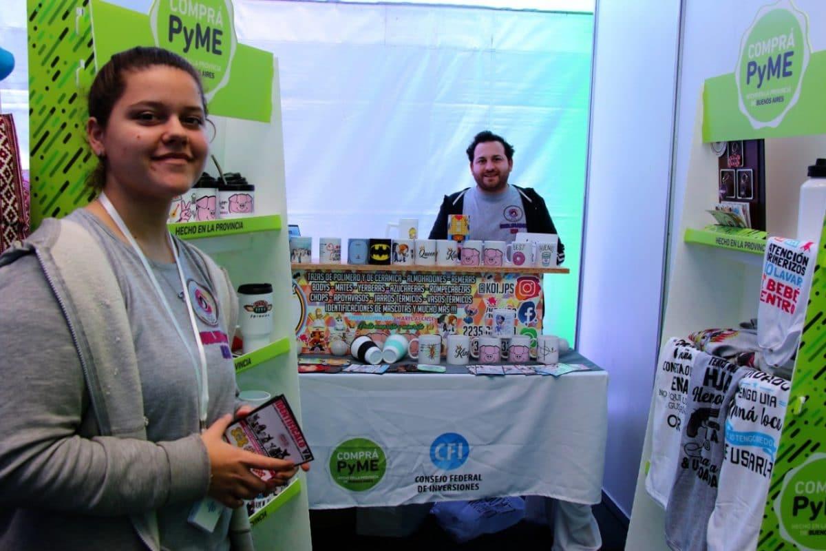 La Feria de Diseño del Comprá PyME convocó a una multitud en La Plaza del Agua