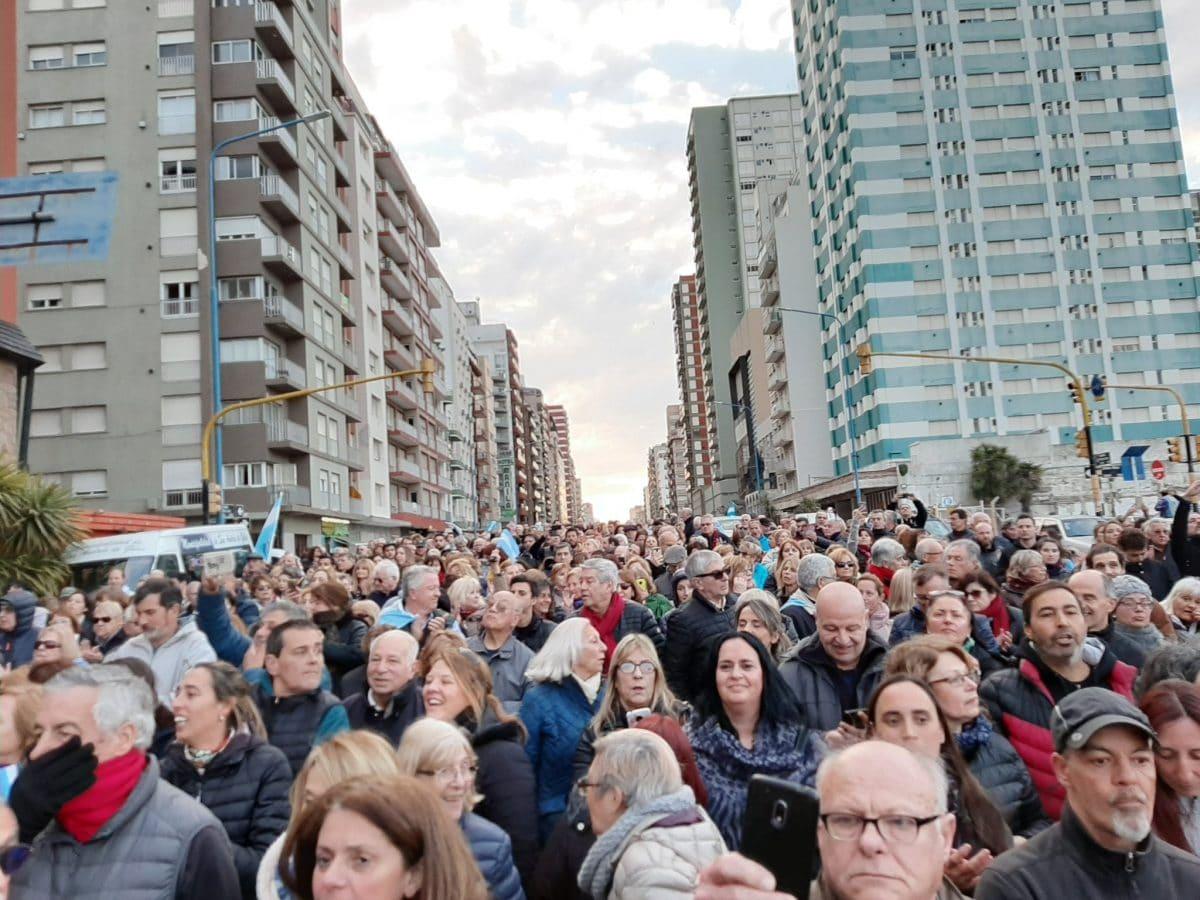 En Mar del Plata se movilizaron en apoyo a Macri