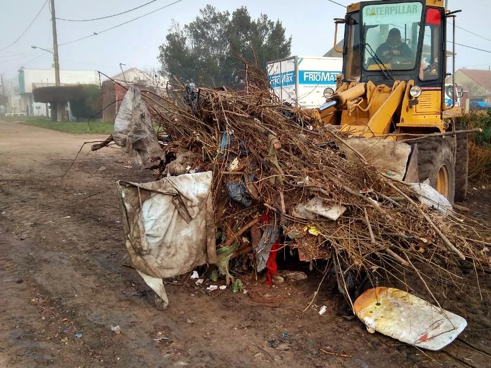 El EMSUR recogió más de 100 mil kilos de basura en el barrio Santa Rita