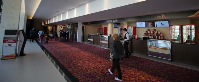 Detenida por compra entradas de cine con tarjetas robadas