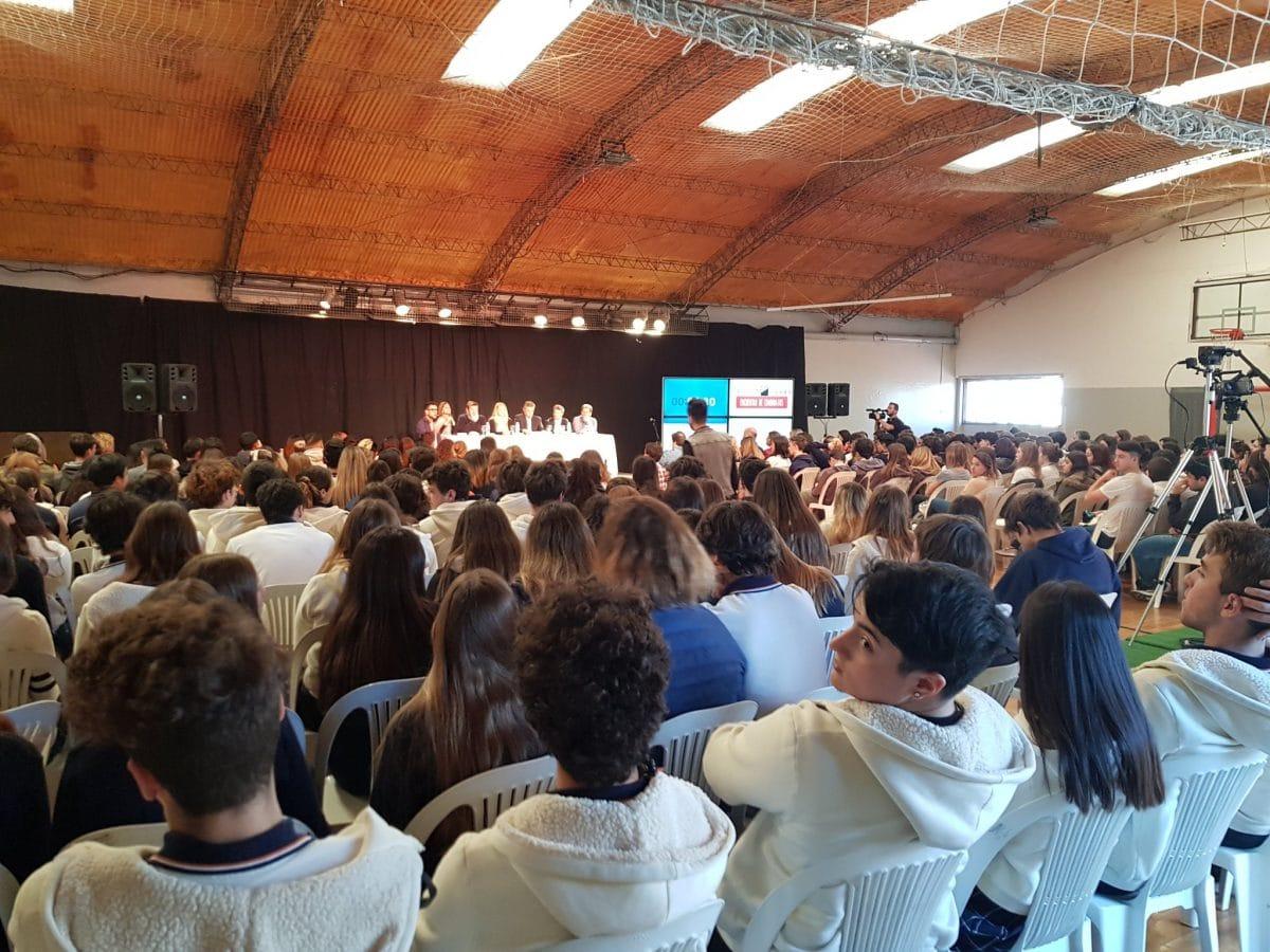 Candidatos a intendente expusieron sus propuestas ante alumnos de siete colegios de Mar del Plata