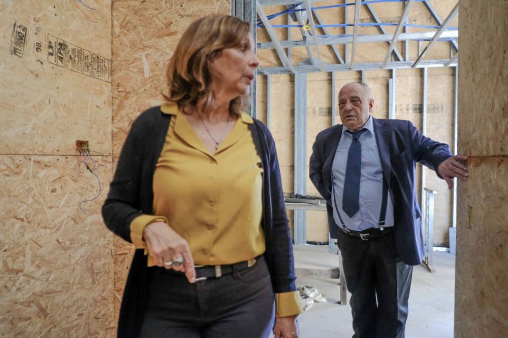 Arroyo recorrió la obra de refacción y ampliación de la Residencia para Adultos Mayores «Eva Perón»