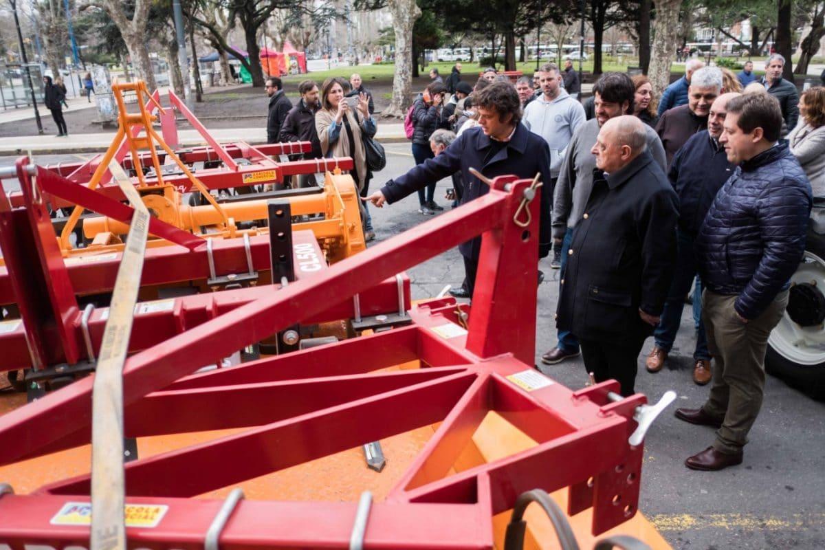 Arroyo presentó maquinarias para el apoyo a emprendimientos agrícolas