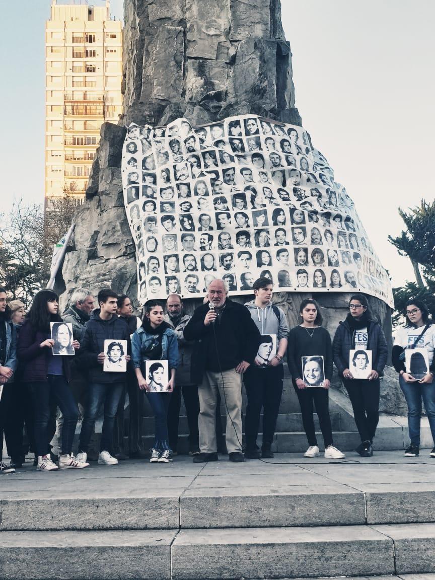 Charla-debate sobre la participación política de los jóvenes en el Faro de la Memoria
