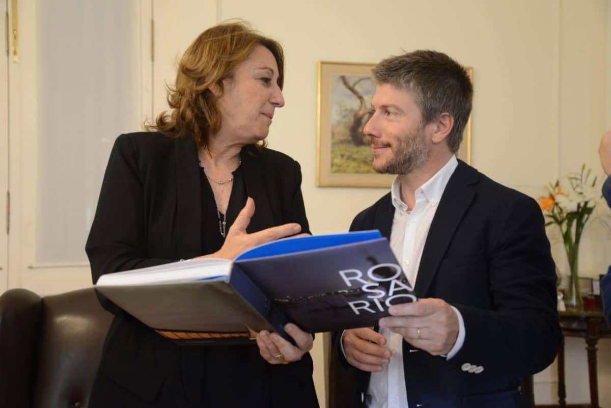 Bonifatti, en Rosario, con la Intendenta Mónica Fein