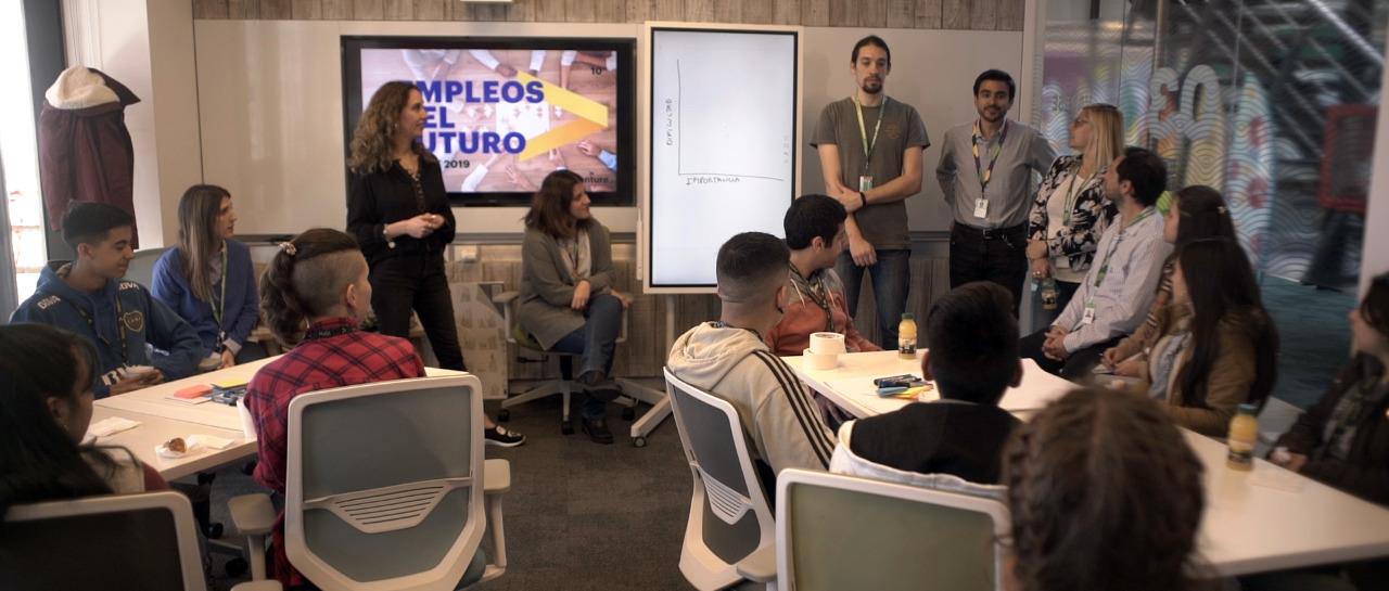 Realizaron Talleres laborales junto a la firma Accenture y Jóvenes Solidarios