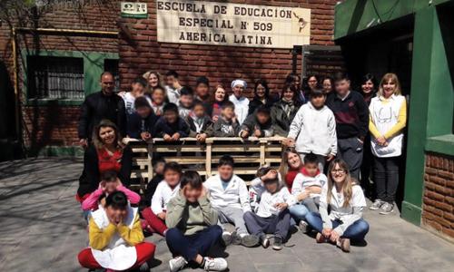 Unidad 15: Internos donaron mobiliario a Escuela Especial N° 509 de Batán