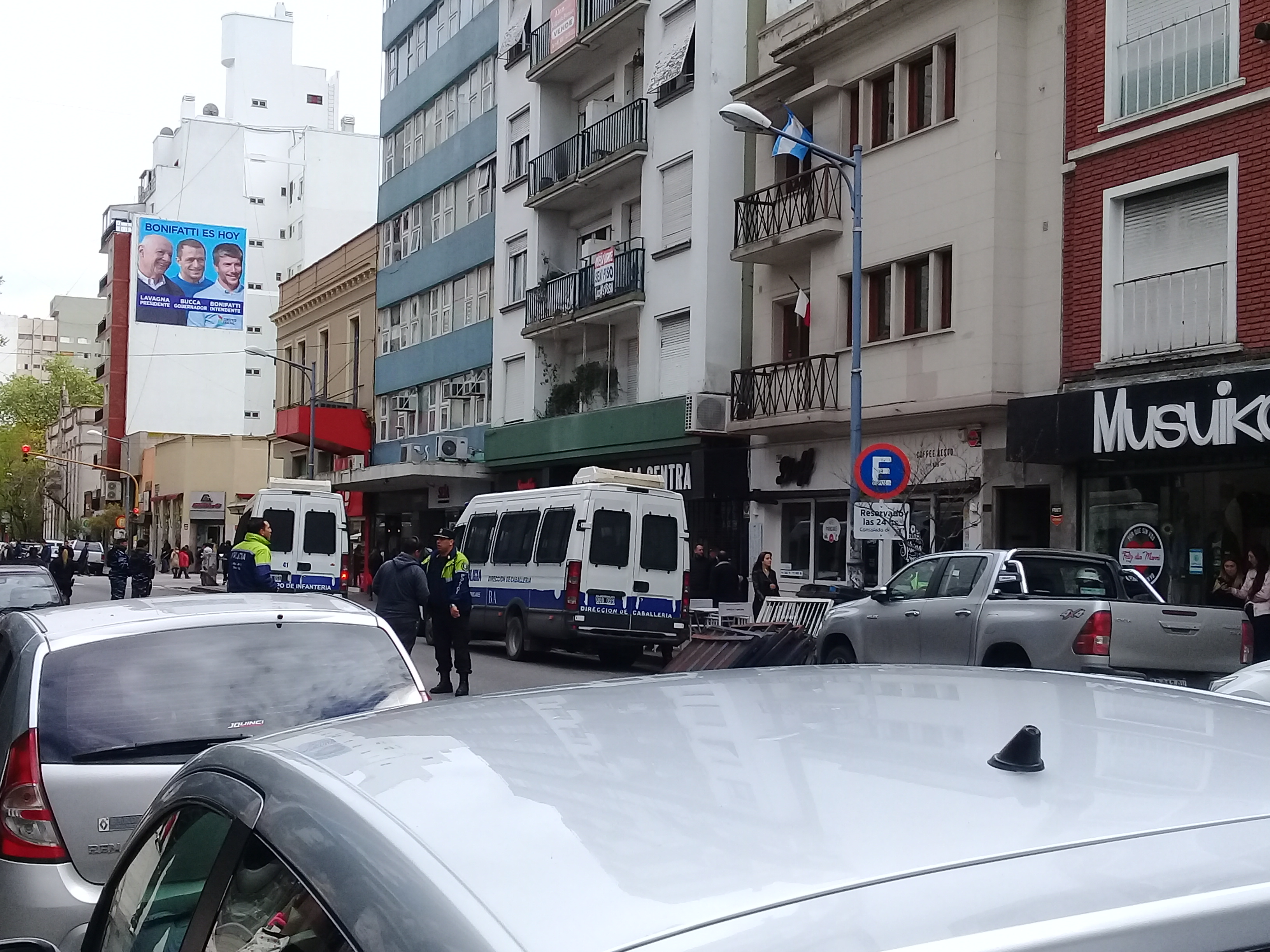 Refuerzan la seguridad en Consulado de Chile en Mar del Plata