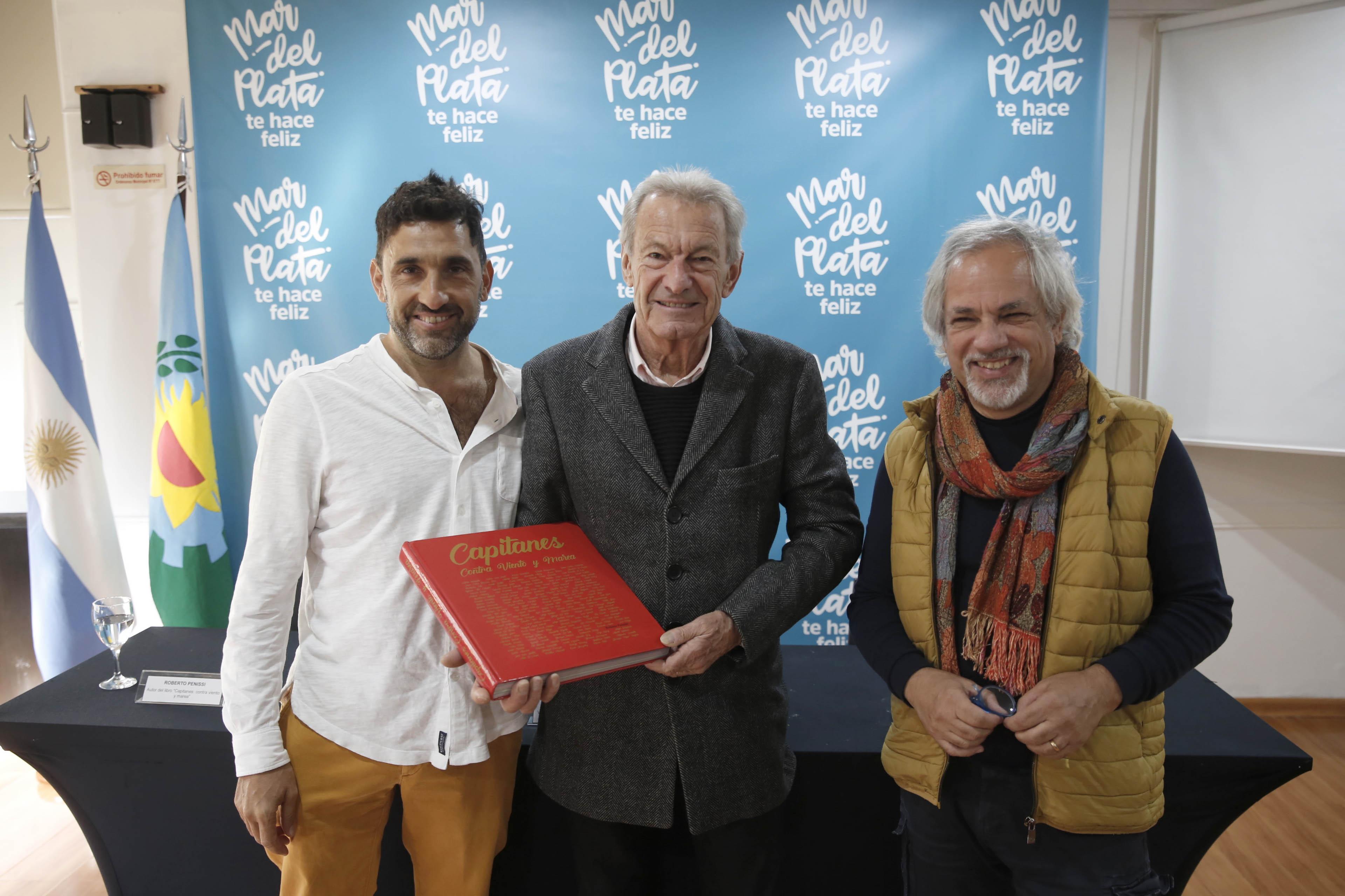 """Se anunció en el EMTur la presentación del libro """"Capitanes: contra viento y marea"""""""
