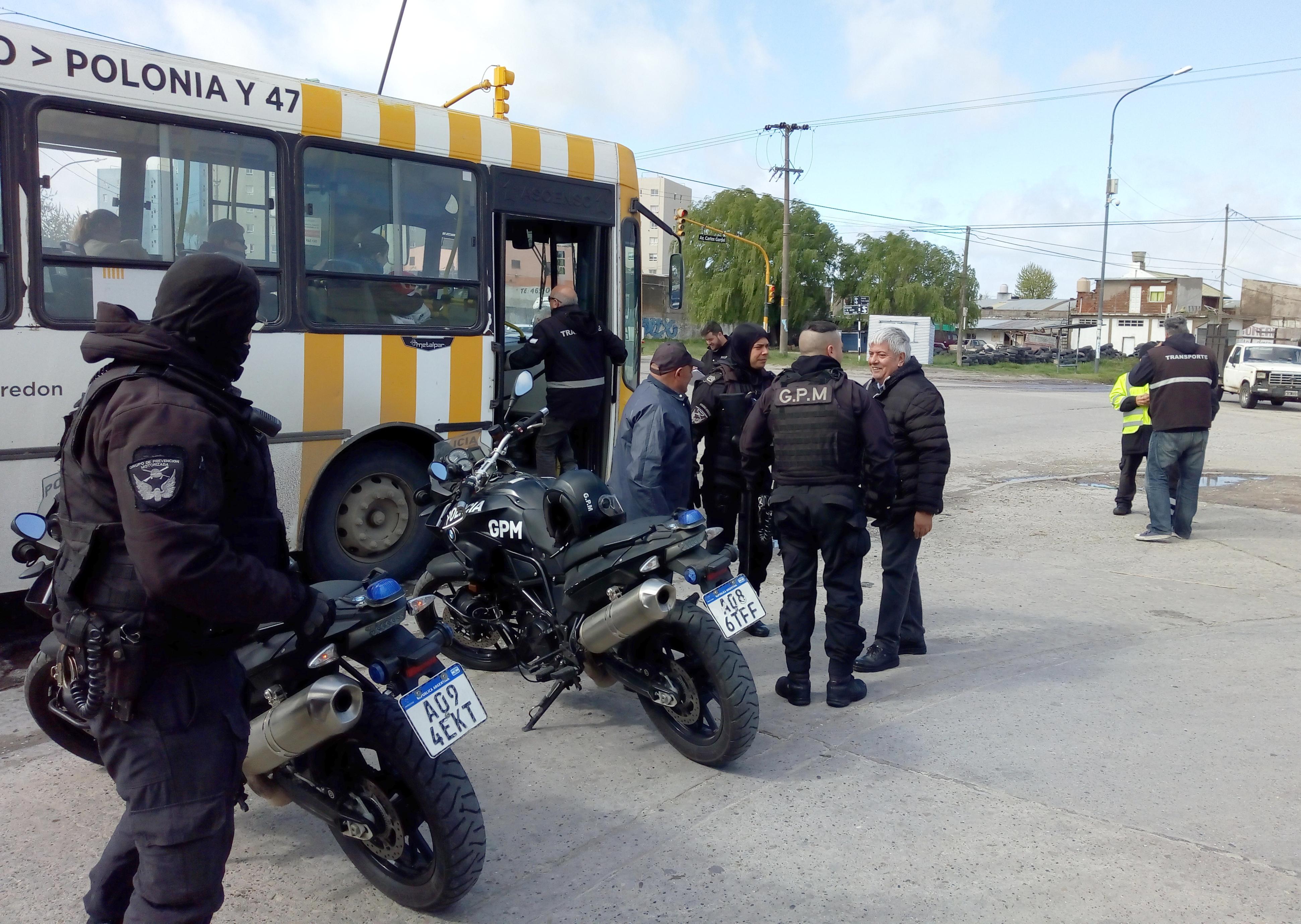 Diez motos, dos autos y una camioneta secuestradas en un megaoperativo en Juan B Justo y Alió