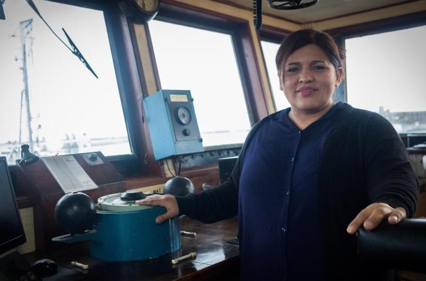 La primera capitana de buque pesquero lucha por la igualdad de mujeres del mar