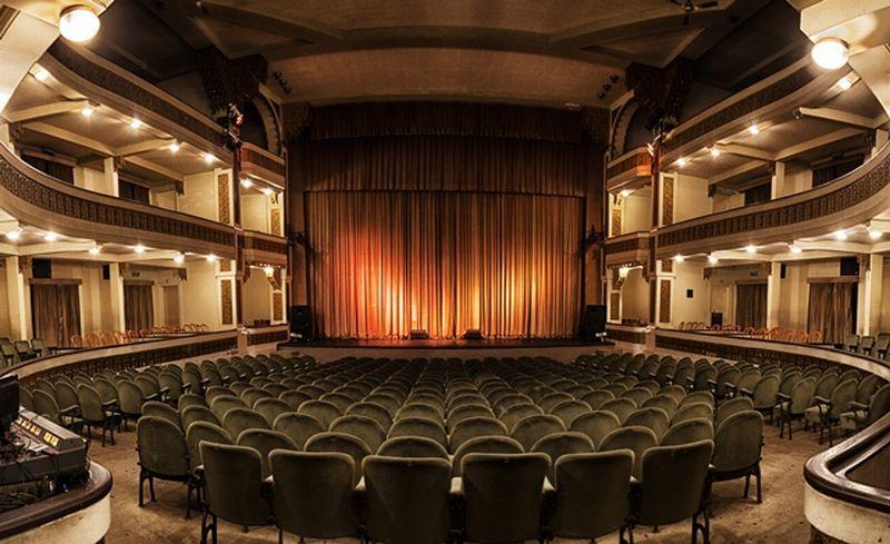 El Teatro Colón seguirá en la Secretaría de Cultura