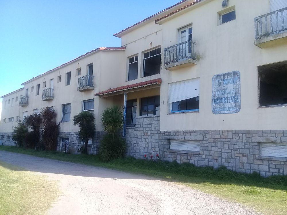 """La """"Casa del Deportista"""", en total estado de abandono"""