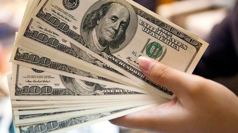 Compra de dólares: los gastos con tarjeta se descontarán del cupo mensual de USD 200