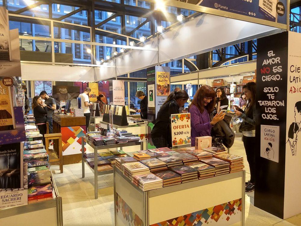 Feria del Libro: Milano, Sacheri, Ramos, Balmaceda, alguno de los protagonistas en esta última semana