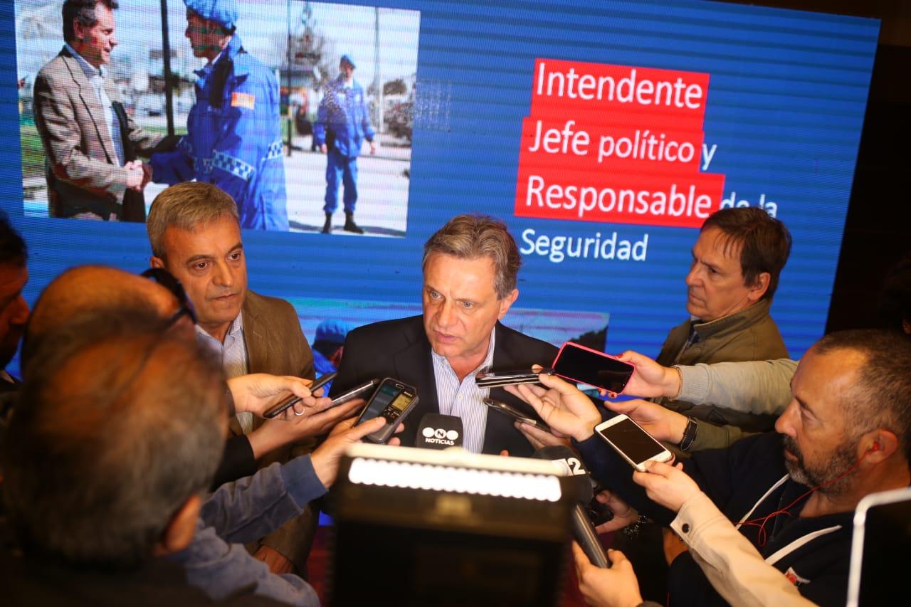 Pulti presentó su Plan de Seguridad Mar del Plata 2019/23