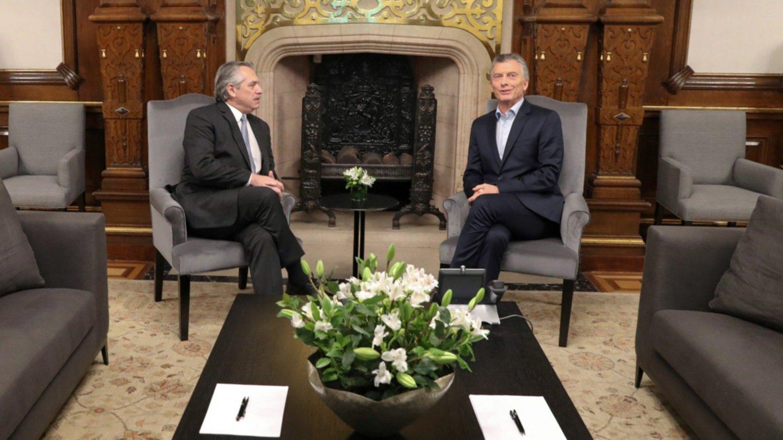 """Alberto Fernández calificó de """"positivo"""" el encuentro con Macri"""