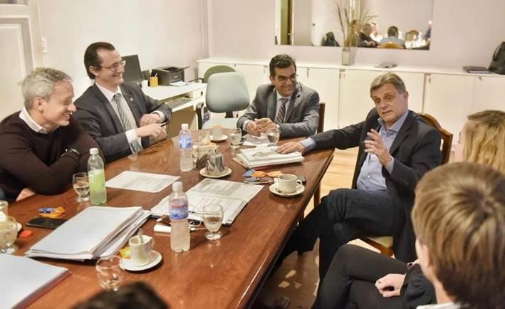 Pulti apoyó la Ciudad Judicial durante un encuentro con abogados