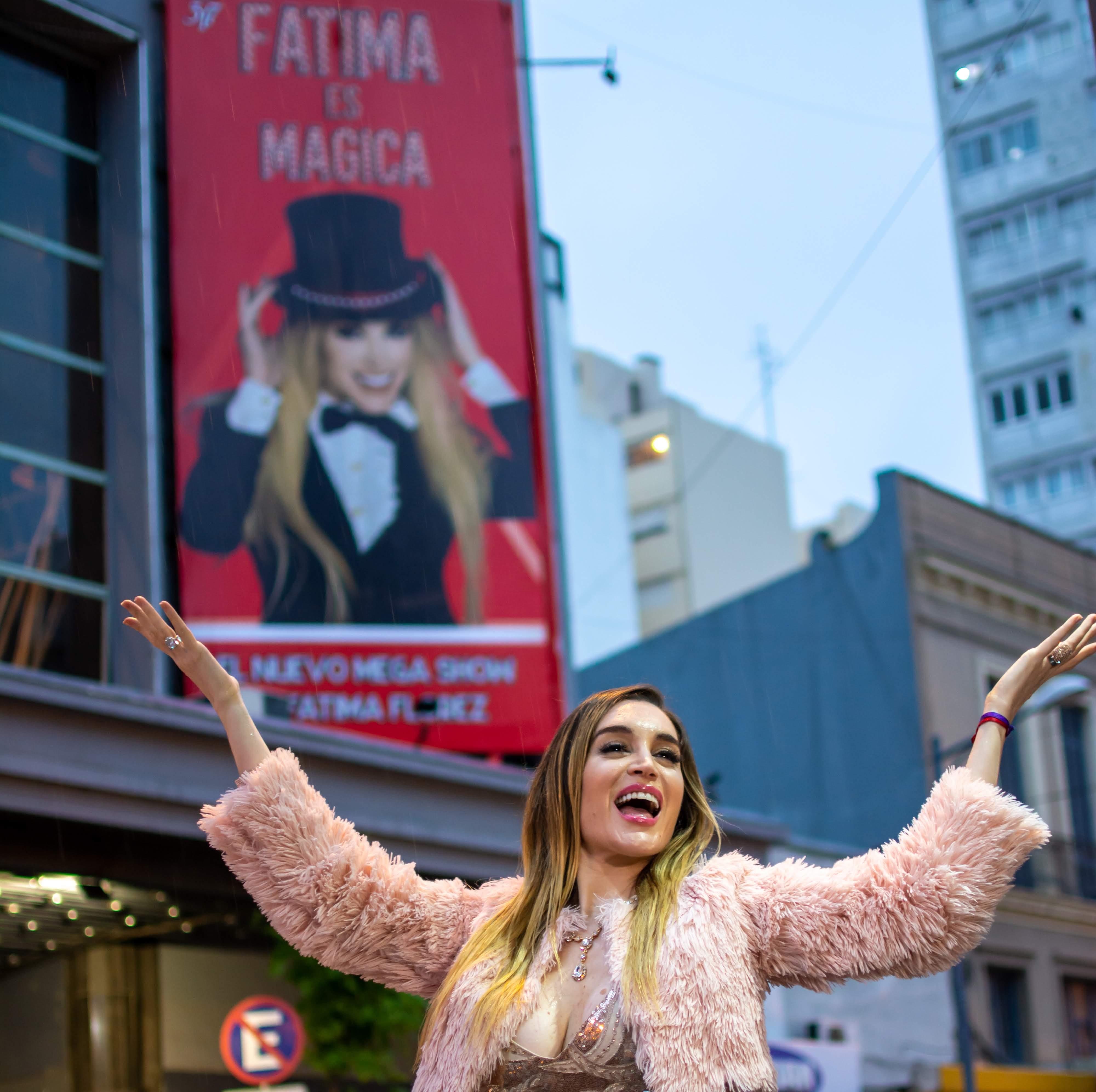 Verano teatral de Mar del Plata:Fátima Florez, la primera que instaló la marquesina