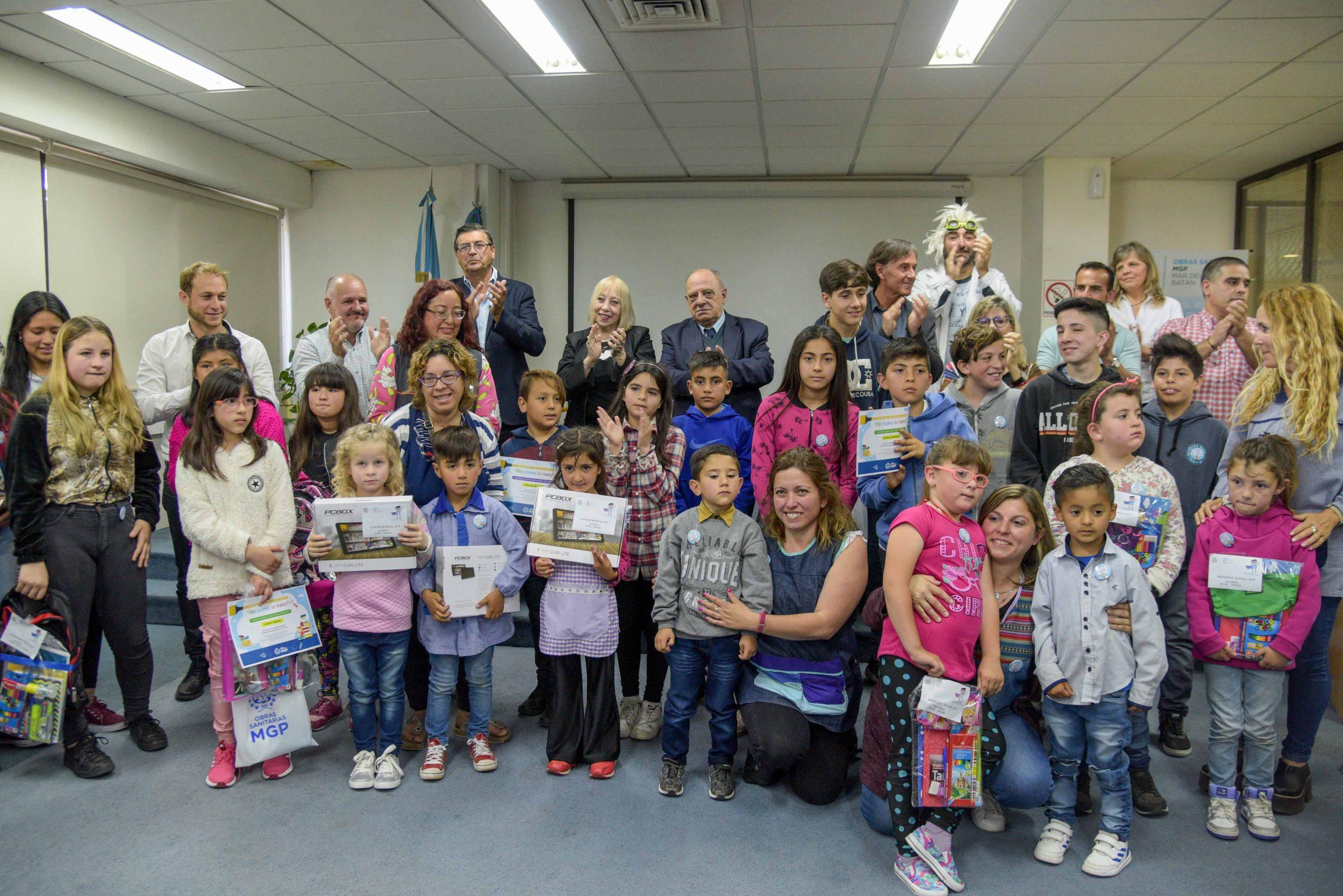 OSSE distinguió a los alumnos  que se sumaron a su Proyecto Educativo 2019