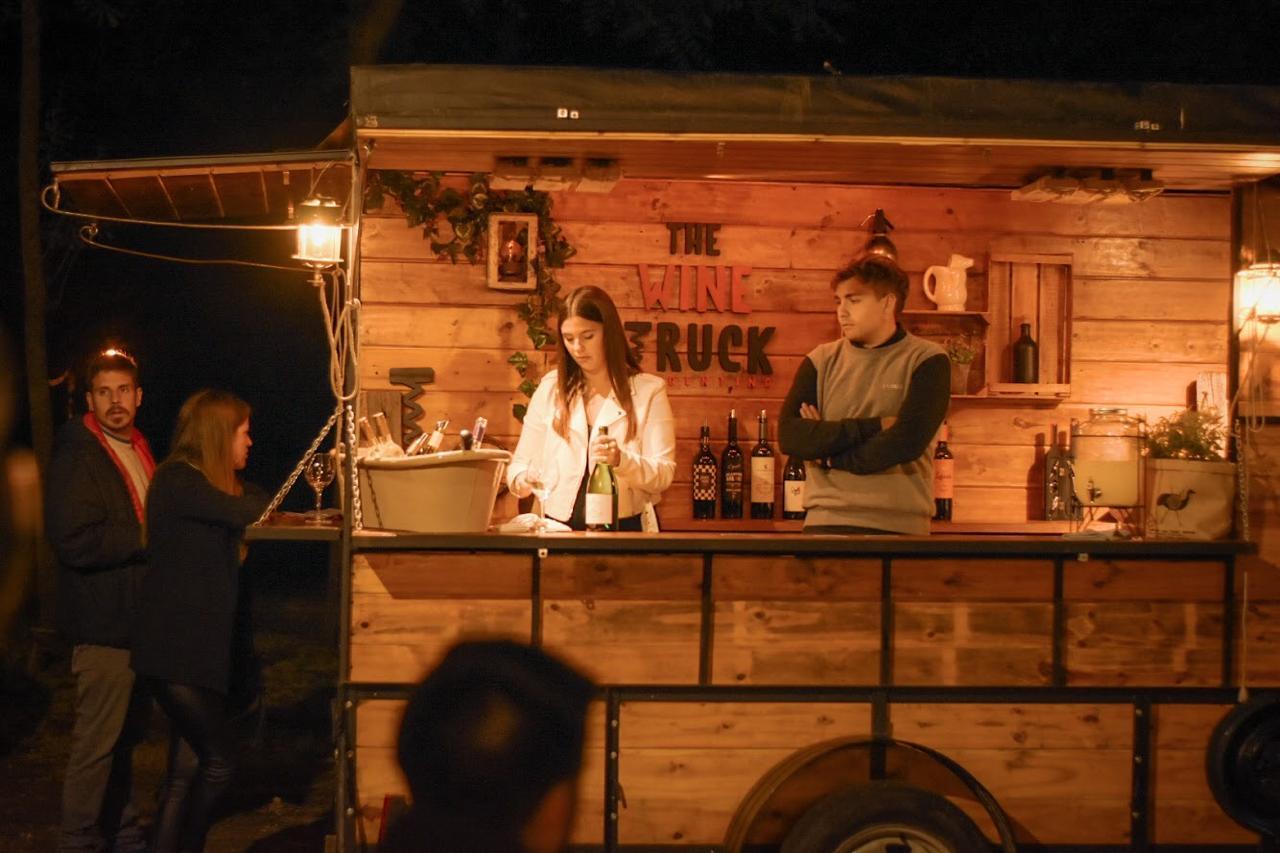 Se presentó en Mar del Plata el primer carro de vinos de Argentina