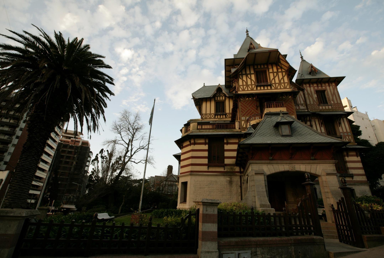 Con una muestra de José Solla, reabre el Museo Castagnino