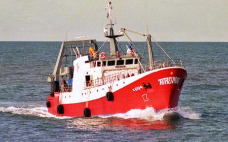 Buque pesquero sufrió principio de incendio en alta mar