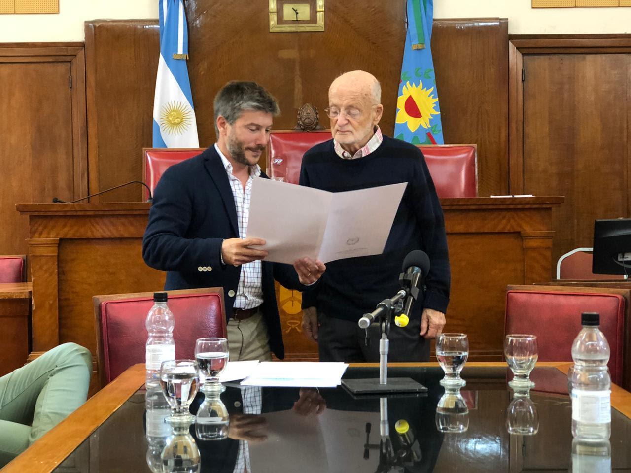 El Concejo Deliberante reconoció la trayectoria del doctor Martín Roubicek
