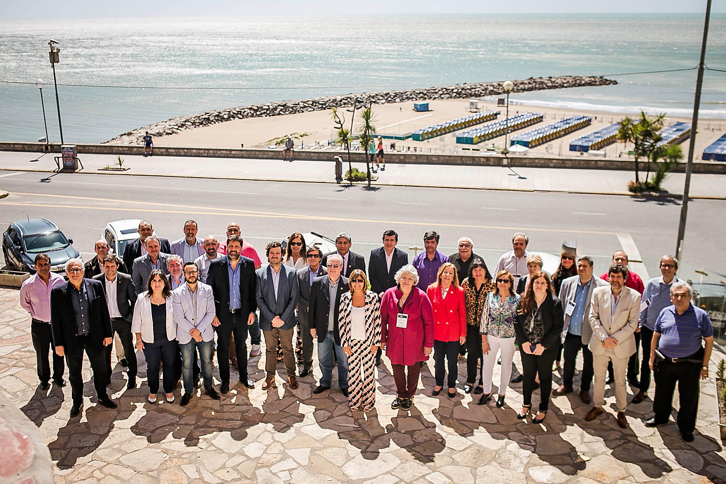 Decanos de Ciencias Económicas de Universidades Nacionales debatieron en Mar del Plata