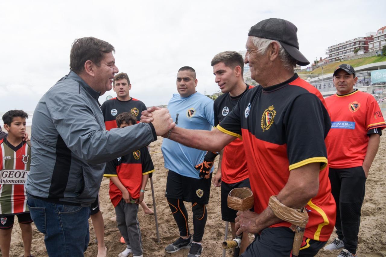 Se inauguró la Playa Deportiva del EMDER