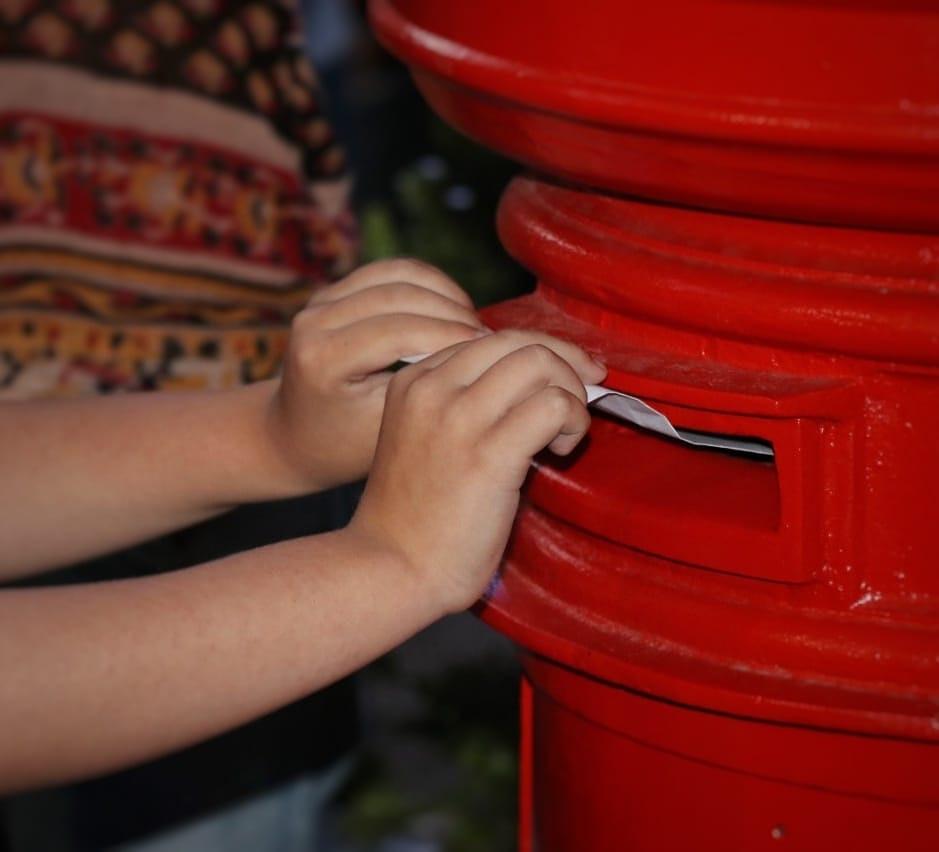 El buzón histórico de Plaza San Martín recibió más de 7 mil cartas para Papá Noel