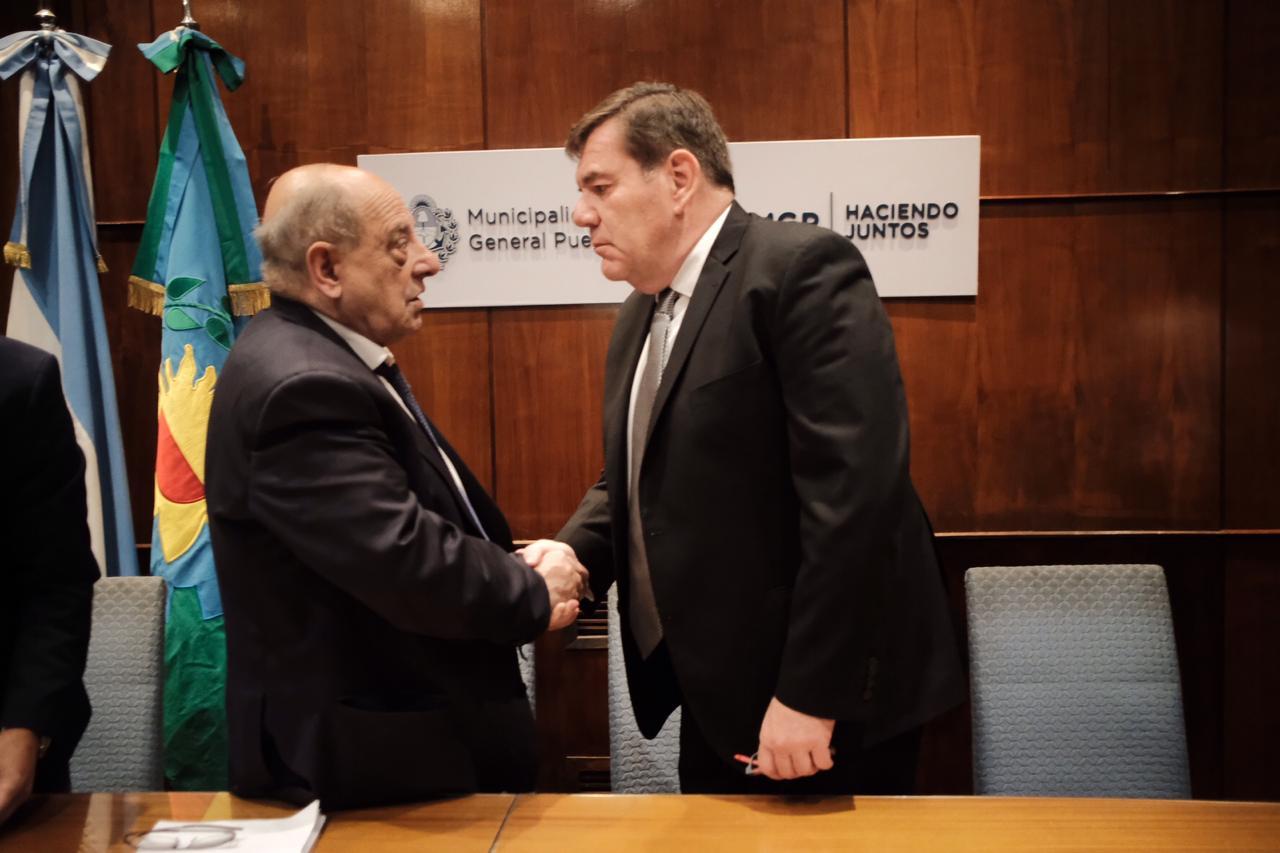 Se realizó el acto protocolar de transmisión del gobierno municipal
