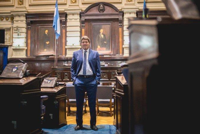 Castello y un balance de su labor legislativo