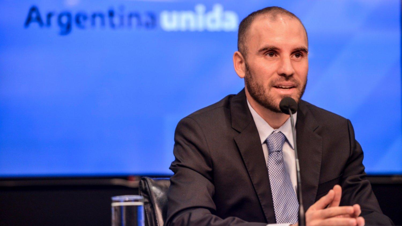 Subió el riesgo país y cayeron bonos luego de la conferencia del ministro de Economía