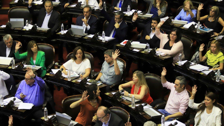 Con fuerte respaldo político, Diputados aprobó y envió al Senado el proyecto sobre deuda externa